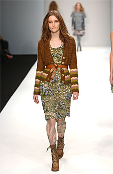 Autumn Winter 05/06 - LOOK 10