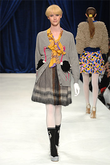 Autumn Winter 08-9 - CATWALK 52